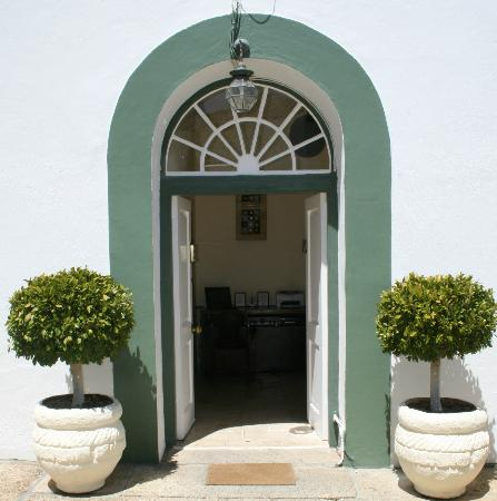 AfricanHome Guesthouse: Entrance