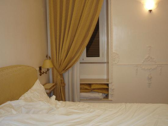 SuitesRome :   ...   