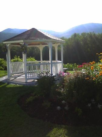 Indian Head Resort: A gazebo by the lake in the morning.