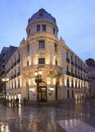 Photo of Hotel NH Victoria Granada