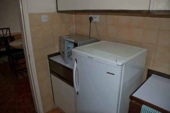 Chester House Apartments: Kitchen appliances at Chester House