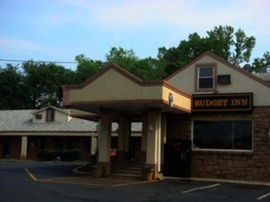 Budget Inn Falls Church: Other Hotel Services/Amenities