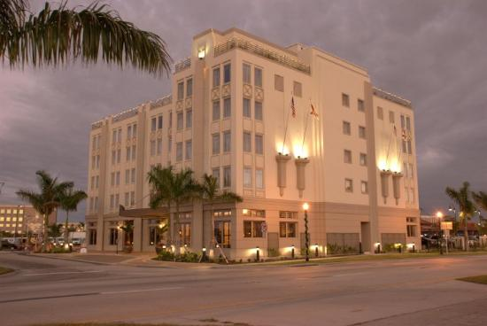the wyvern hotel punta gorda fl hotel reviews. Black Bedroom Furniture Sets. Home Design Ideas