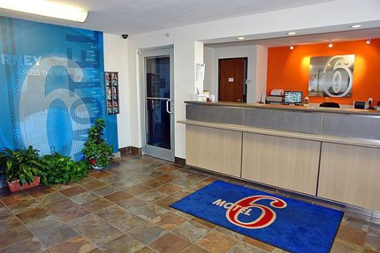 Motel 6 Oklahoma City: MLobby