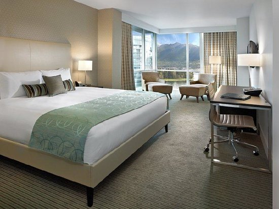 ‪‪Coast Coal Harbour Hotel‬: Superior Room‬