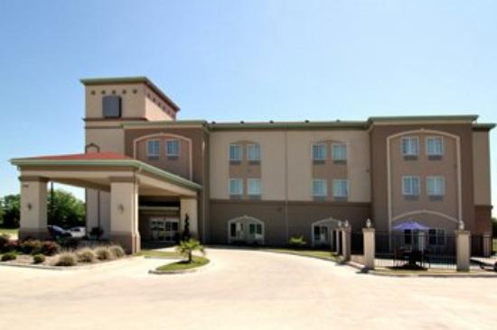 Groesbeck Inn & Suites