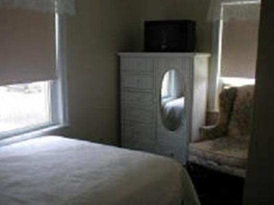Holly Beach Hotel Bed &amp; Breakfast: Guest Room