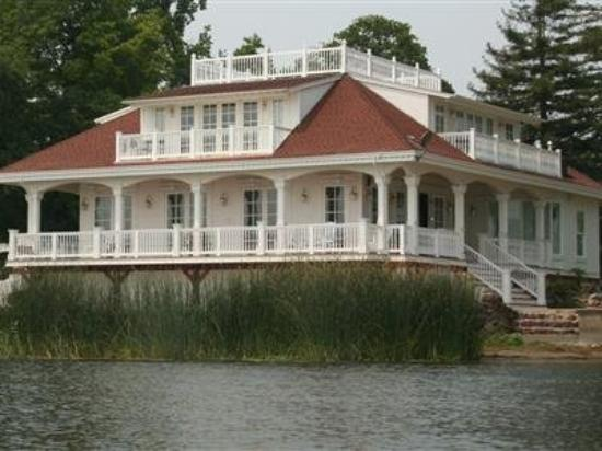 Photo of Clear Lake Bed And Breakfast Lakeport