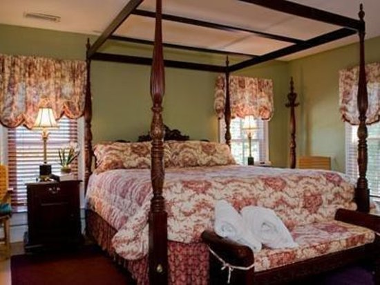 George Brooks House B&B