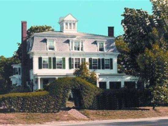 Photo of Colonial House Inn Yarmouth Port
