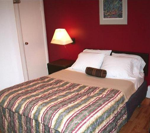 Squamish Budget Inn: Bedroom