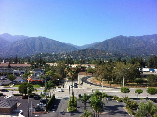 DoubleTree by Hilton Hotel Monrovia - Pasadena Area: A view from the lift lobby on the 8th floor