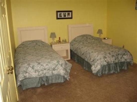 Ridgemoor B&B: Guest Room -OpenTravel Alliance - Guest Room-