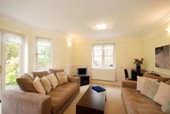 Clarendon Serviced Apartments - Manning Place: Richmond Lounge