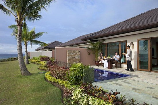 Crimson Resort and Spa, Mactan: Ocean Front Private Pool Villa (verandah ,Pool Are