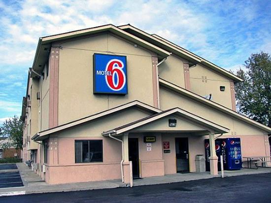 Motel 6 Salisbury