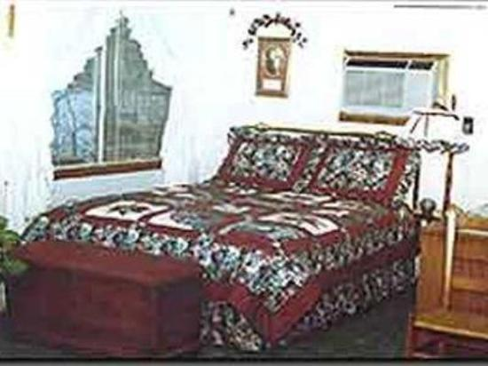Lakeshore Bed and Breakfast: Guest Room