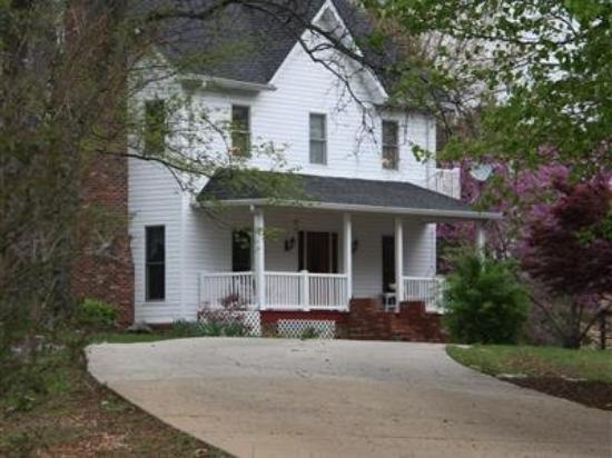 Photo of Longing For Home Bed and Breakfast Rogersville