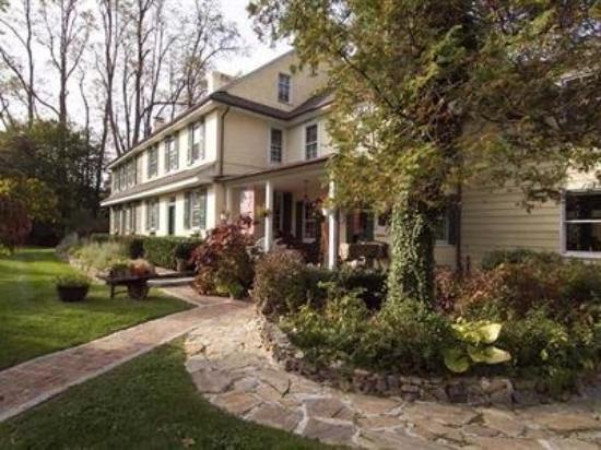 Pennsbury Inn Bed And Breakfast Gardens