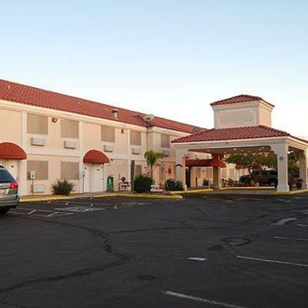 Photo of Superstition Inn and Suites Apache Junction