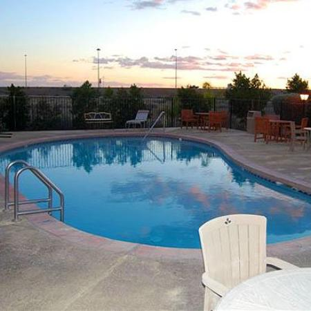 Superstition Inn and Suites: Pool (OpenTravel Alliance - Pool view)