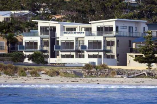 Mollymook Beachfront Apartment