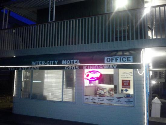 Inter City Motel: Exterior