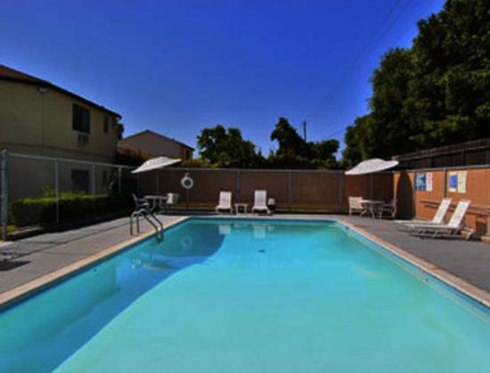 Paso Robles Travelodge: Pool