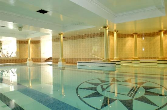Thornton Hall Hotel &amp; Spa : Pool view 