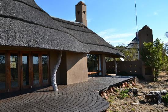 Rhulani Safari Lodge: Our individual cabin