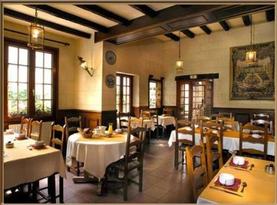 restaurant le relais chenonceaux chenonceaux restaurant avis num ro de t l phone photos. Black Bedroom Furniture Sets. Home Design Ideas