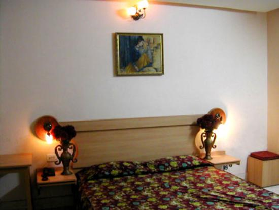 Photo of Hotel Pushpak International Kolkata (Calcutta)