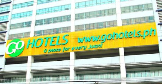 Mandaluyong, Philippines: Go Hotels Cybergate Plaza Facade