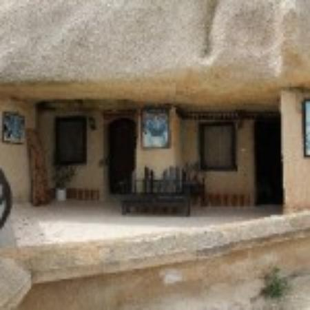 Nomad Cave Hotel