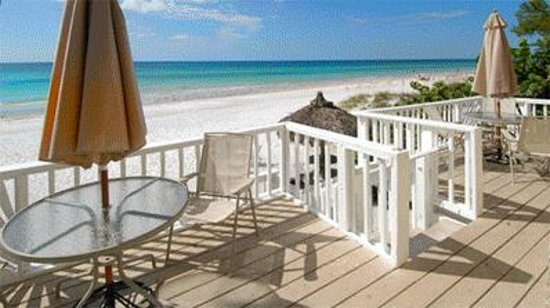 Anna Maria Island Inn: Balcony View from Unit #1