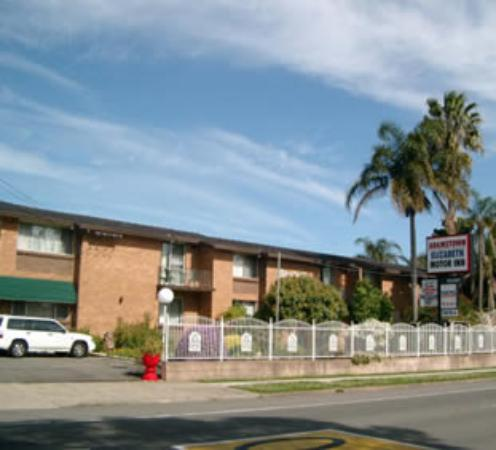 Adamstown Motor Inn