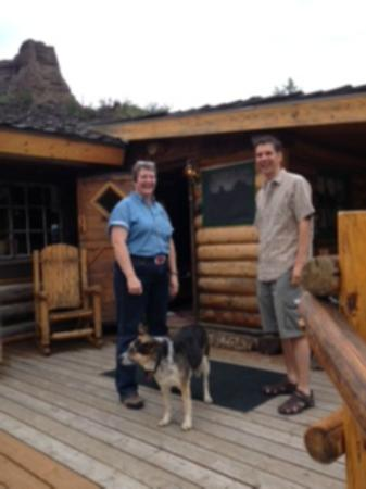 Elephant Head Lodge: The owner and Guy