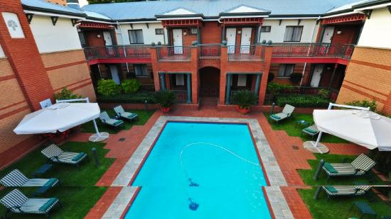 Courtyard Rosebank: Pool