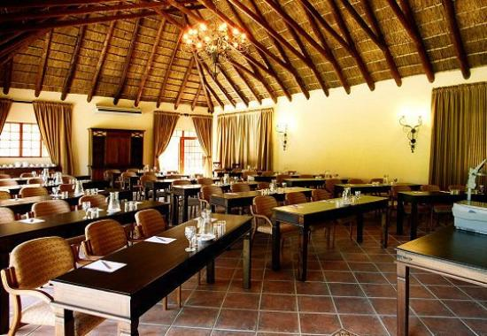 Mpongo Private Game Reserve: Meeting Room