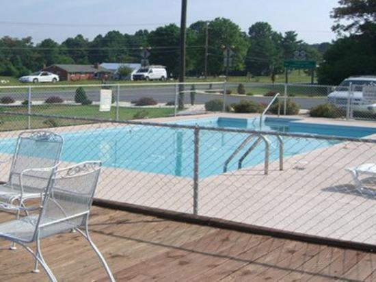 Timberlake Motel Lynchburg: Pool