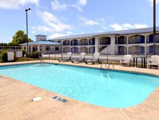 Super 8 Walterboro, SC: Pool