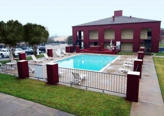 Econo Lodge College Station: Pool