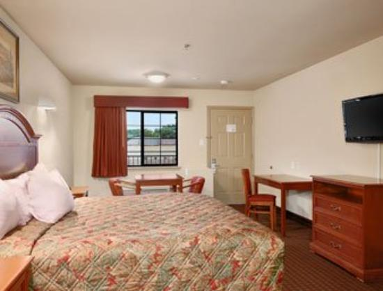 Days Inn and Suites Baytown