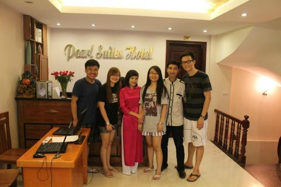 Pearl Suites Grand Hotel: Us, Ana, the loyal porter who carried our luggages, sent&amp;greeted us in the train station.