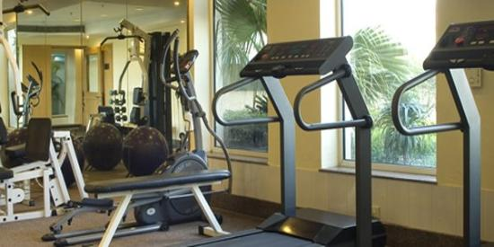 Savoy Suites: Fitness Center