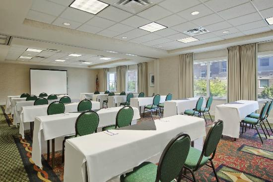 Hilton Garden Inn Omaha Downtown / Old Market Area : Meeting Room