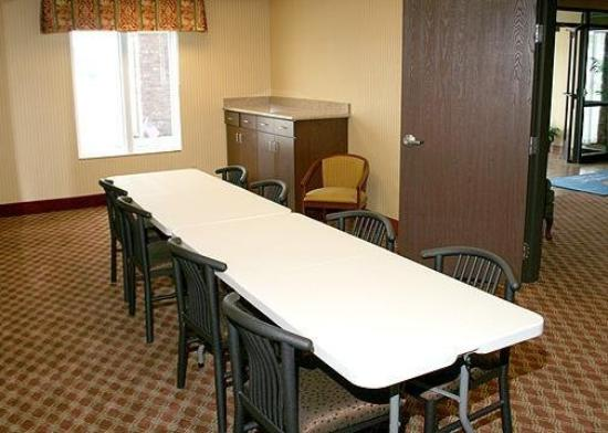 Comfort Inn &amp; Suites Harrisonville: Meeting Room