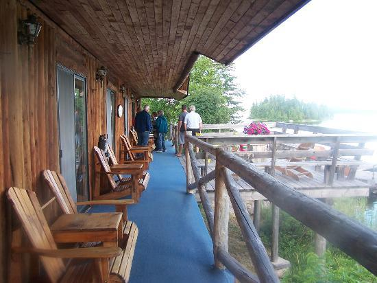 Wabatongushi Lake, Kanada: front of the rooms (only six) that you stay in great view and privacy