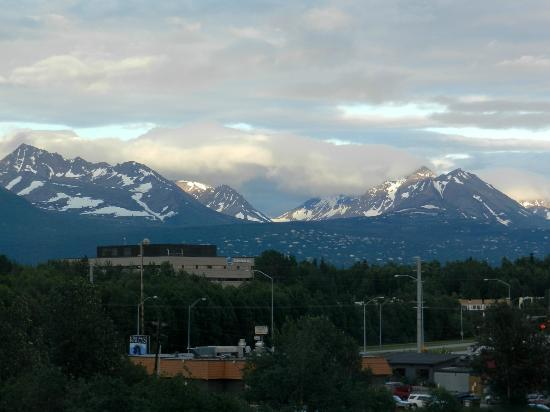 Embassy Suites by Hilton Anchorage: View from the Room