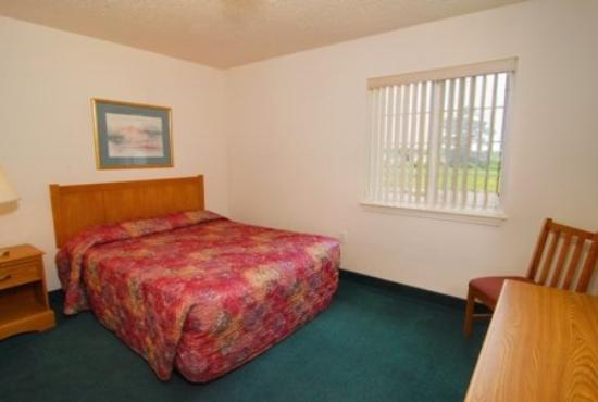 Affordable Suites Lexington: Guest room